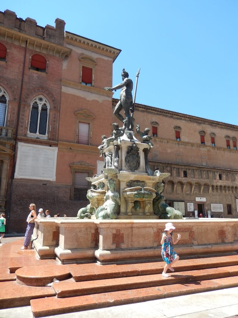 Tagliatelle Alla Bolognese in Bologna. A short history, recipe and video via @DishOurTown #foodandtravel #recipe #bolognese