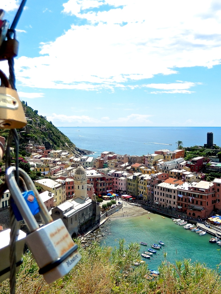 #MonterossoAlMare with kids the highs and lows in #CinqueTerre via @DishOurTown