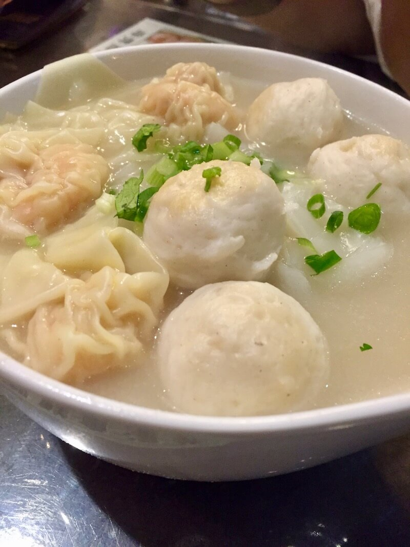 Hong Kong Food and Restaurant Guide via @dishourtown #foodandtravel #foodinHongKong #DiscoverHongKong