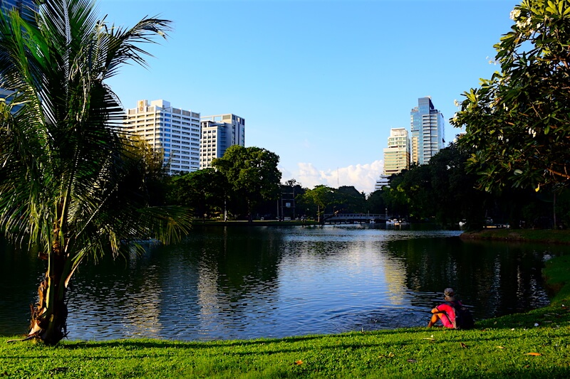Lumpini Park in Bangkok | Dusit Thani Hotel for families | via @DishOurTown