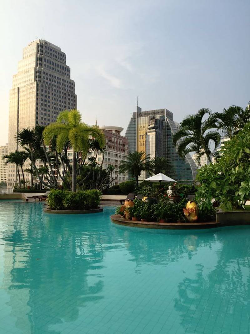 Pool at Windsor Suites Hotel in Bangkok|review by @DishOurTown