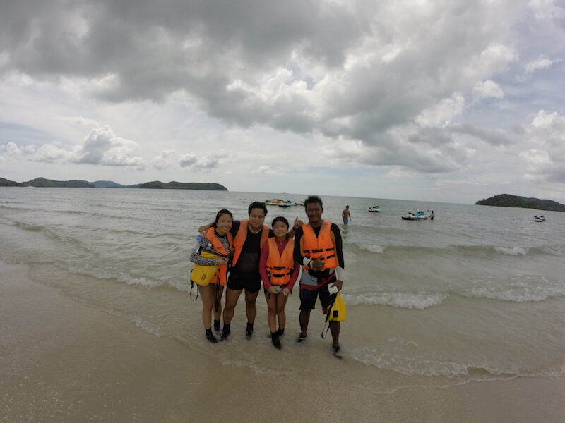 The Sea in Langkawi with kids via @DishOurTown
