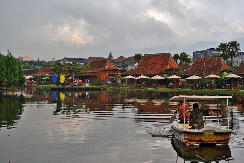 Lembang, a family friendly Indonesian destination via @DishOurTown
