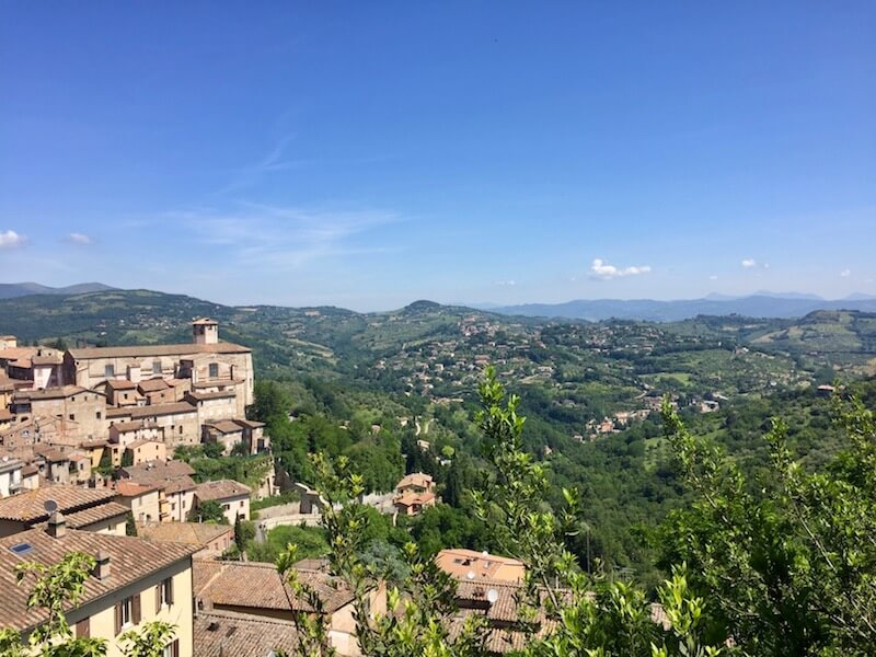 Complete Guide to Traveling in #Umbria via @DishOurTown #travel