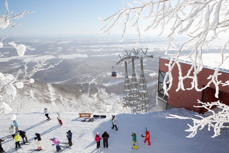 Best Japanese Dishes to Keep a Family Warm During a #Ski Holiday via @DishOurTown #food #Japan