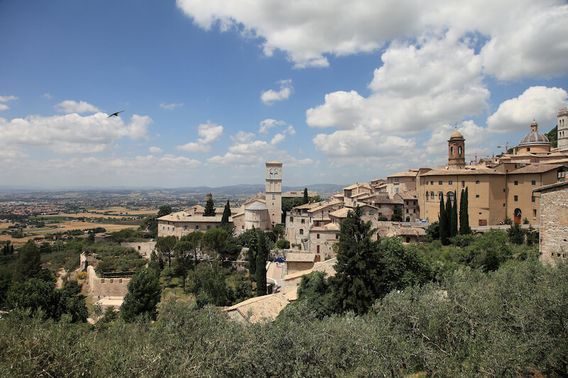 4 outstanding hotels in Umbria for the best vacation. #visitumbria #familytravel #luxurytravel #luxuryhotels